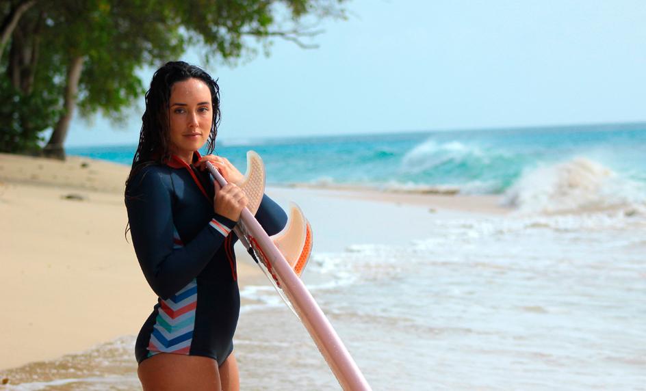 ¿Conoces los beneficios del surf como terapia anti estrés?
