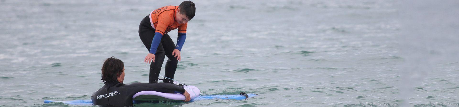 Cursos de surf para adultos en Galicia