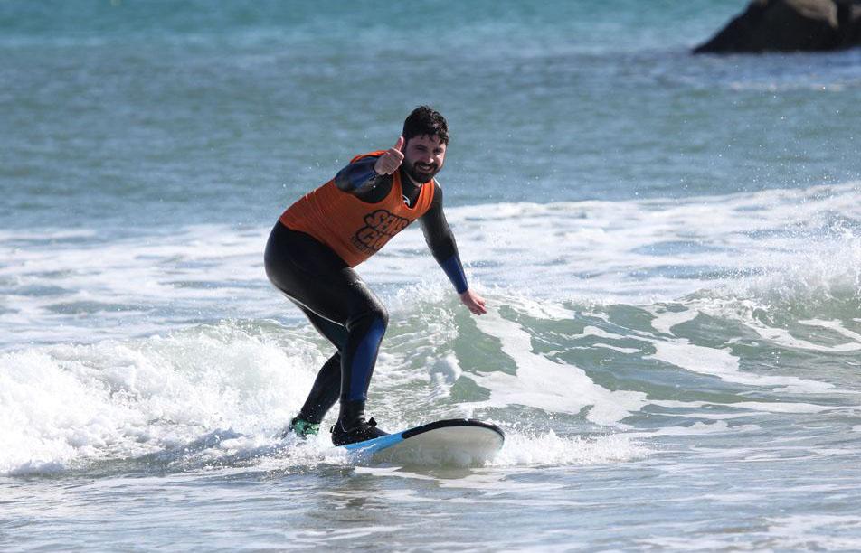 Profesor de surf en Playa de Barreiros